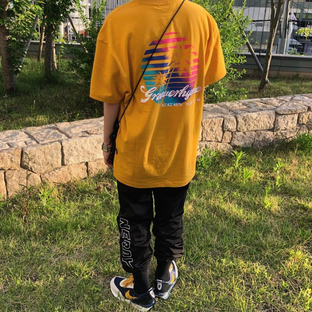 [STYLE] PALM TREE AT SUNSET T-SHIRTS (YELLOW) [GTS735I23YE]